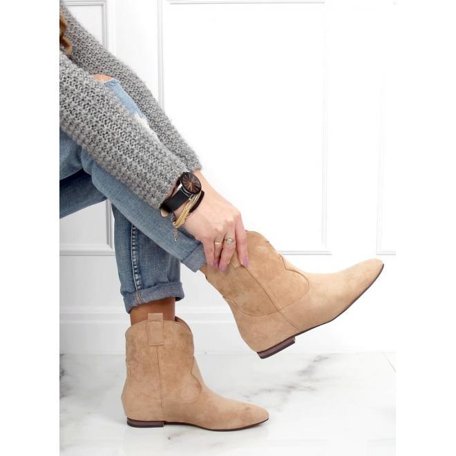 Béžové semišové boty se širokým svrškem pro dámy