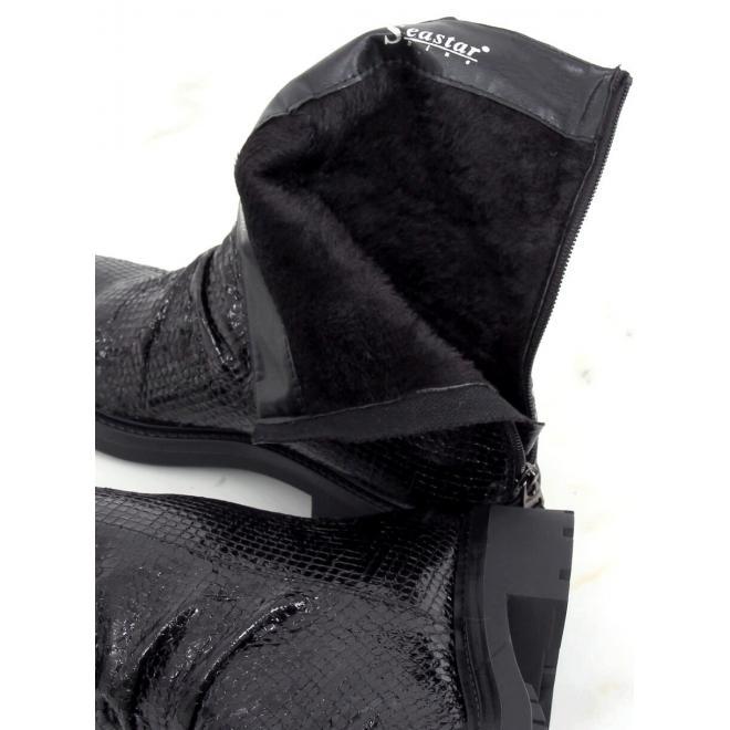 Dámské krátké kozačky s reliéfní texturou v černé barvě