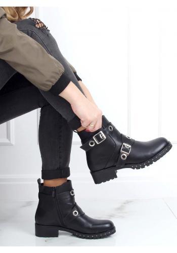 Stylové dámské boty černé barvy s přezkami