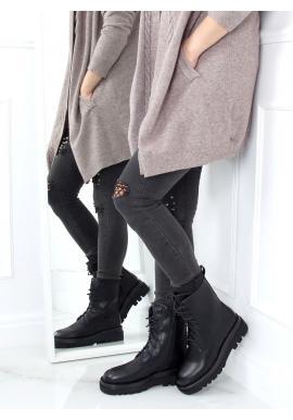 Lícové dámské kozačky černé barvy s vysokou podrážkou