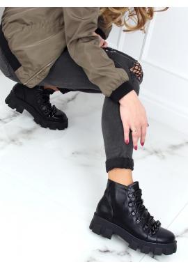 Kotníkové dámské boty černé barvy s vysokou podrážkou