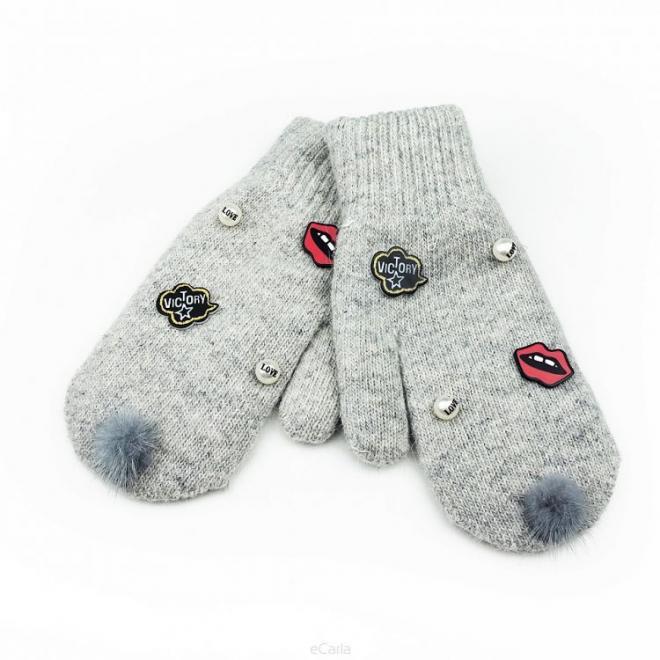 Šedé zimní rukavice s perlami a ozdobami pro dámy