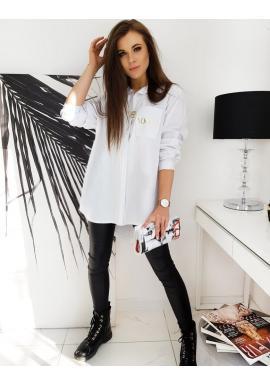 Dámská asymetrická košile s nápisem na kapse v bílé barvě