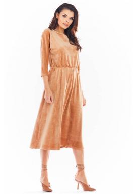 Velurové dámské midi šaty béžové barvy s 3/4 rukávem