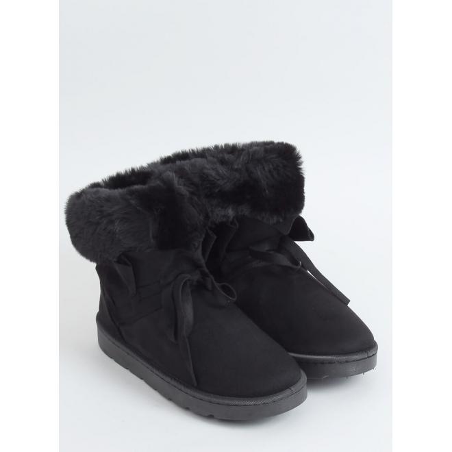 Semišové dámské sněhule černé barvy s volánem a kožešinou
