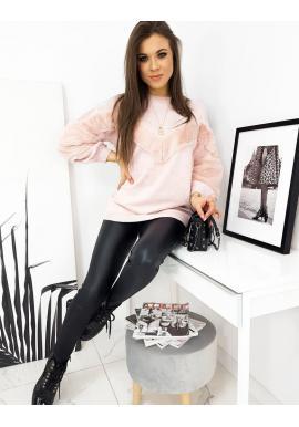 Dámský oversize svetr s příjemnými vložkami v růžové barvě