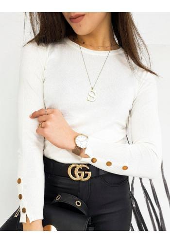 Přiléhavý dámský svetr bílé barvy s knoflíky na rukávech