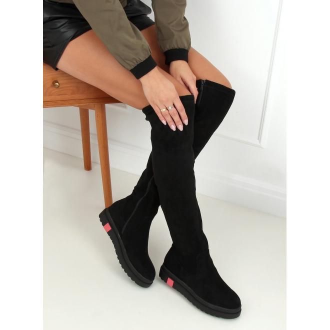 Semišové dámské kozačky nad kolena černé barvy s tlustou podrážkou