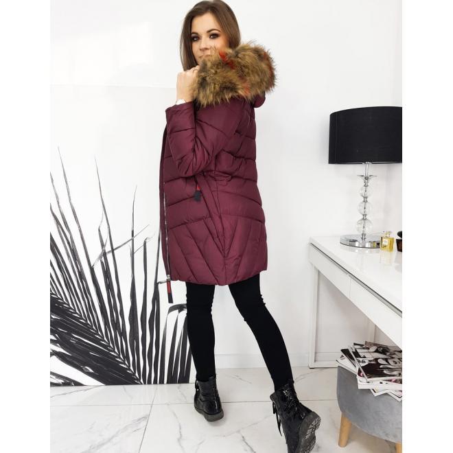 Prošívaná dámská bunda bordové barvy s kapucí