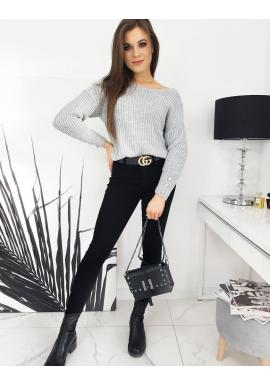 Dámský teplý svetr s ozdobnými knoflíky v světle šedé barvě