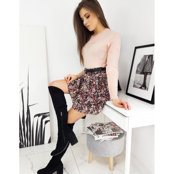 Dámský klasický svetr s kulatým výstřihem v růžové barvě
