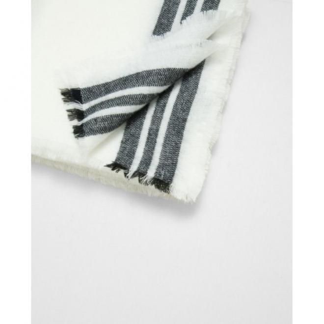 Elegantní dámský šál v bílé barvě s černými pruhy