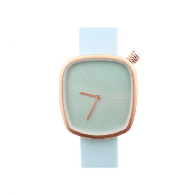 Světle modré klasické hodinky s koženým řemínkem pro dámy