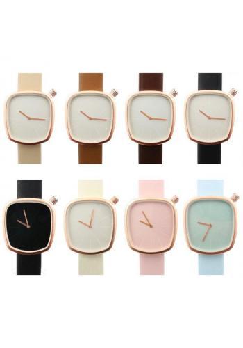 Dámské klasické hodinky s koženým páskem v černé barvě