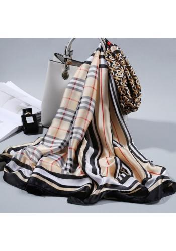 Elegantní dámská šifónová šála béžové barvy se vzorem