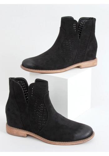 Ažurové dámské boty černé barvy na skrytém podpatku
