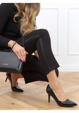 Lakované dámské lodičky černé barvy na podpatku