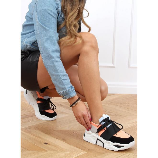Dámské módní tenisky s vysokou podrážkou v černé barvě