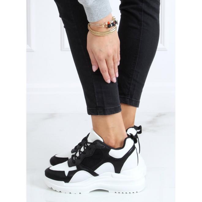 Módní dámské tenisky bílo-černé barvy na skrytém podpatku