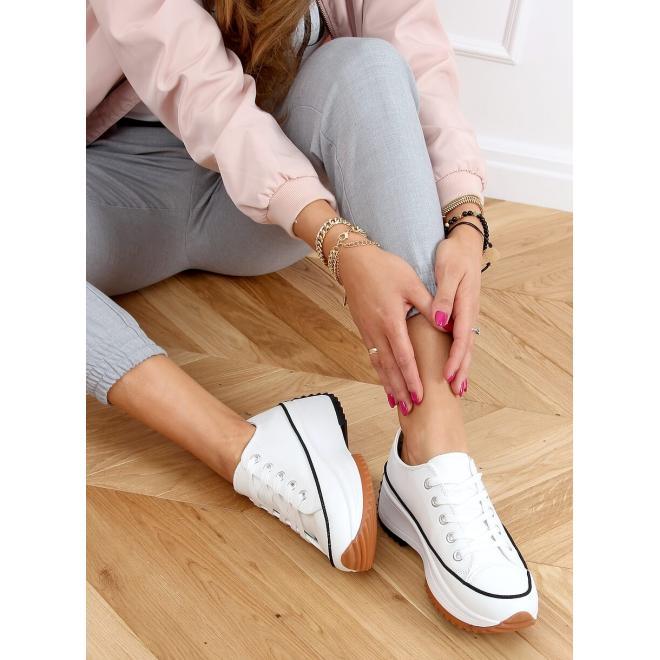 Módní dámské tenisky bílé barvy s designovou podrážkou