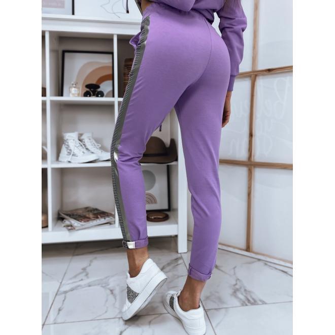 Dámské kalhoty s módním pruhem ve fialové barvě