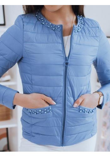 Světle modrá prošívaná bunda s ozdobnými perlami pro dámy