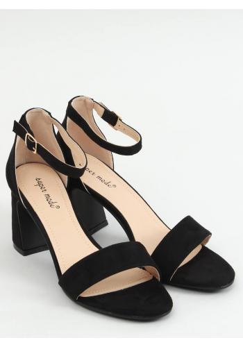 Semišové dámské sandály černé barvy na stabilním podpatku