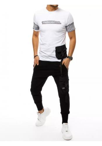 Komplet pánského trička a kalhot bílo-černé barvy s potiskem