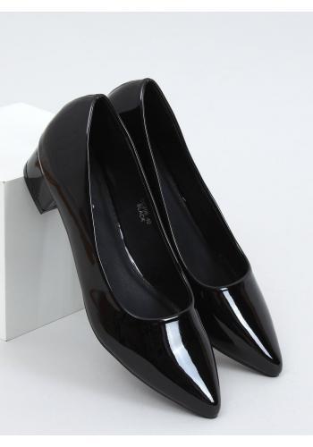 Lakované dámské lodičky černé barvy na nízkém podpatku