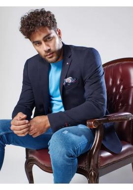 Jednořadé pánské sako tmavě modré barvy v neformálním stylu