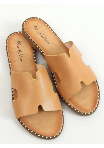 Dámské lícové pantofle s výřezy v hnědé barvě