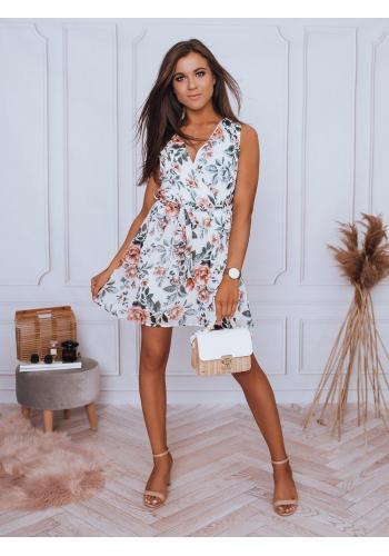 Krátké dámské šaty bílé barvy se vzorem
