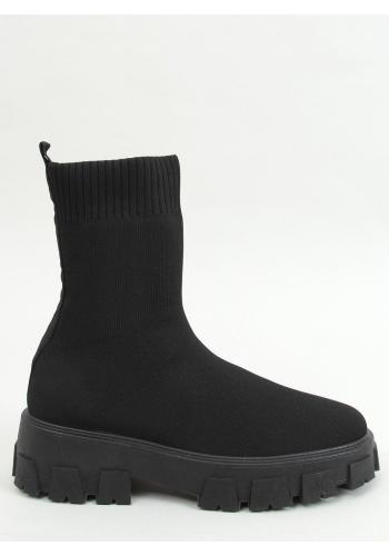 Ponožkové dámské kozačky černé barvy na širokém podpatku