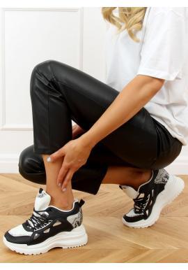 Dámské sportovní tenisky na klínovém podpatku v černé barvě