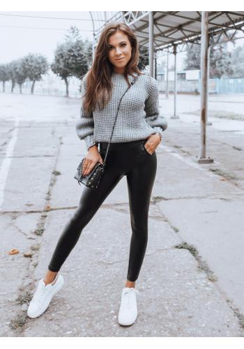 Dámské úzké kalhoty s vyšším pasem v černé barvě