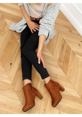 Kotníkové dámské kozačky hnědé barvy na stabilním podpatku