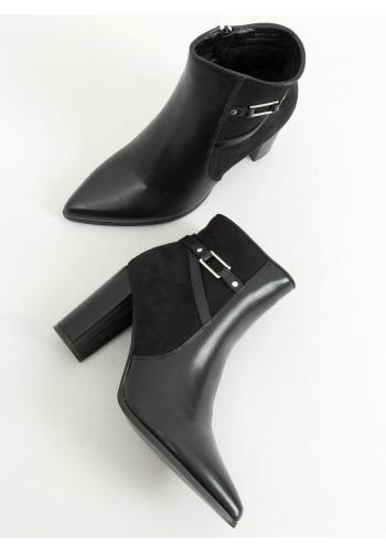 Dámské elegantní kozačky na podpatku v černé barvě