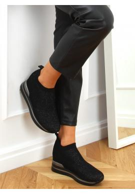 Dámské nazouvací boty na klínovém podpatku v černé barvě