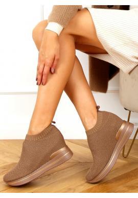 Hnědé nazouvací boty na klínovém podpatku pro dámy
