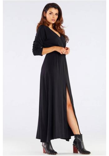 Černé dlouhé šaty na podzim pro dámy