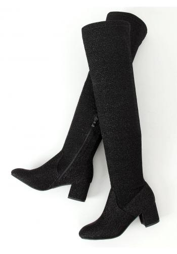 Třpytivé dámské kozačky nad kolena černé barvy na podpatku