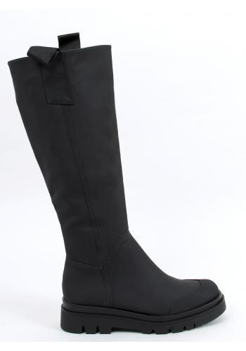 Módní dámské kozačky černé barvy s vysokou podrážkou