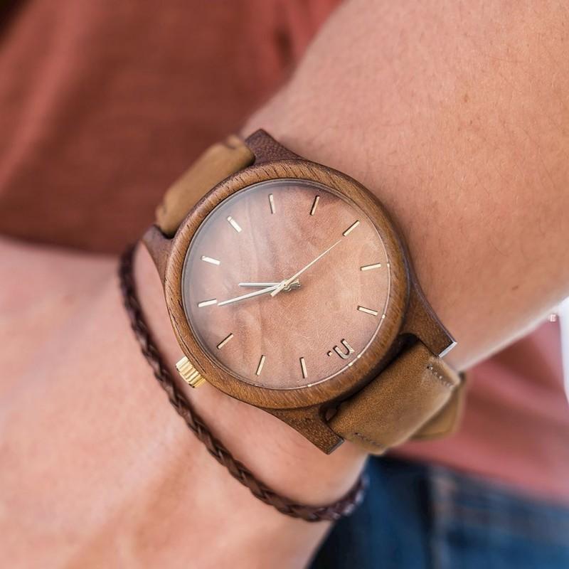 Pánské dřevěné hodinky s koženým páskem v hnědé barvě