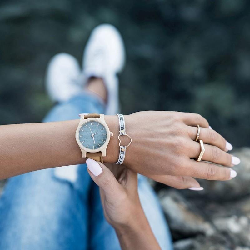Dřevěné dámské hodinky béžovo-bordové barvy s koženým řemínkem