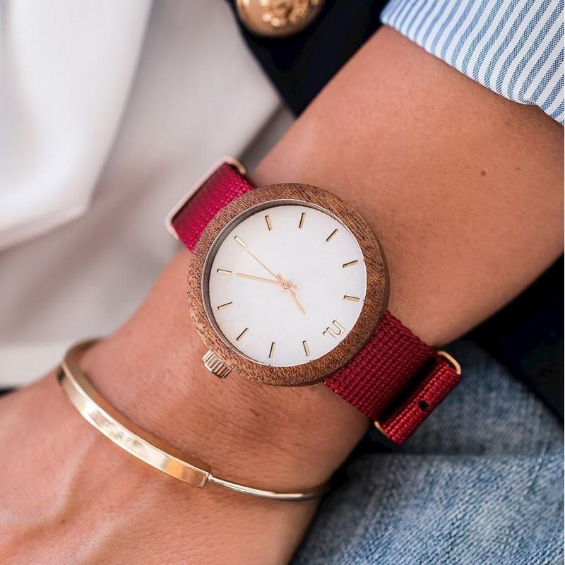 Dámské dřevěné hodinky s textilním řemínkem v zeleno-bílé barvě