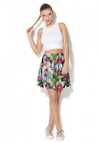Stylová dámská sukně v hnědé barvě s barevným motivem ptáků